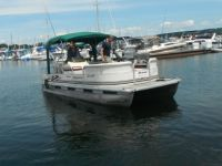 Pontoon boat from Diverse Rentals