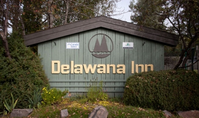 Delawana Resort Muskoka sign